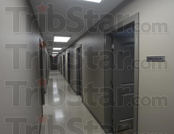 MET060816clayCC hallway