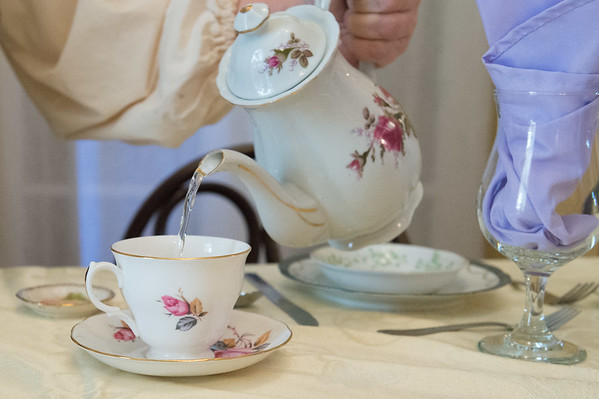 JOED VIERA/STAFF PHOTOGRAPHER-Appleton, NY-Margo Sue Bittner pours tea at Marjim Manor.