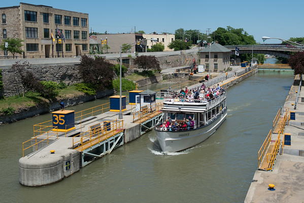 JOED VIERA/STAFF PHOTOGRAPHER-Lockport, NY-People ride a cruise through the Locks.