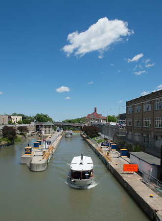 JOED VIERA/STAFF PHOTOGRAPHER-Lockport, NY-People ride a cruise past the Locks.