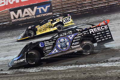 Scott Bloomquist (0) and Chris Simpson (32)