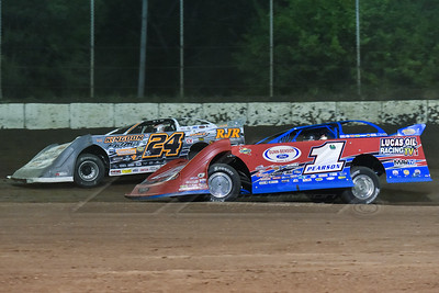 Earl Pearson, Jr. (1) and Ryan Unzicker (24)
