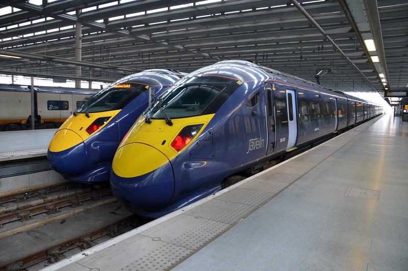 395020 (R) & 395013 at St.Pancras International.