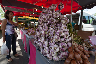 A nice display of alliums at the Marché Saint-Antoine Célestins