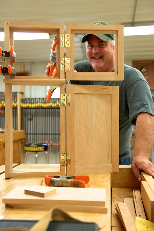 "Making ""Timeless"" Furniture: Bring Your Own Personal Assistant! with Dale"