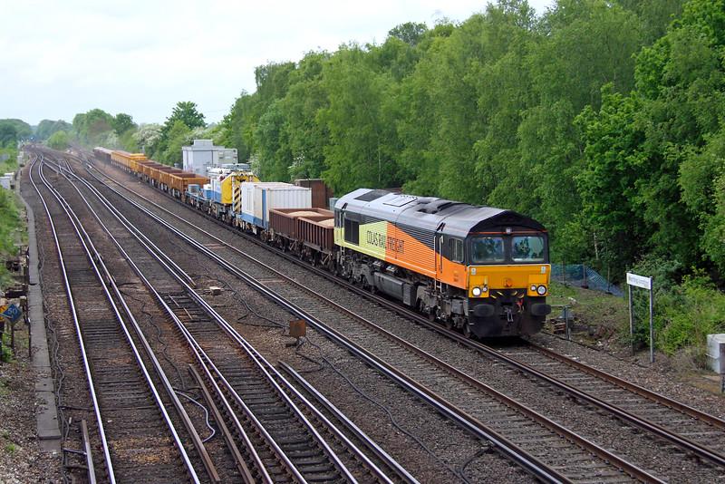 66847 Worting Junction 25/05/16 6Y48 Eastleigh to Hoo Junction
