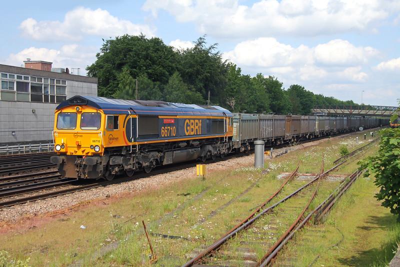 66710 Basingstoke 26/05/16 4Y19 Mountfield to Southampton Western Docks