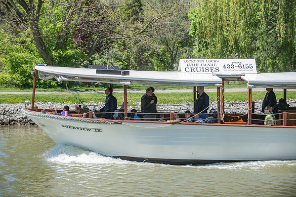 JOED VIERA/STAFF PHOTOGRAPHER-Lockport, NY- Visitors take a ride on the canal on the Lockview IV.