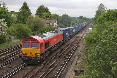 66114 Worting Junction 25/05/16 4O21 Trafford Park to Southampton