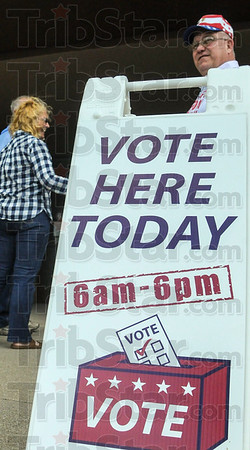 MET 050316 VOTE HERE