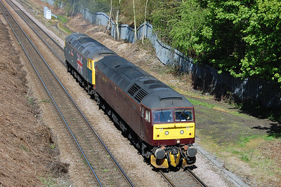 Running as 0Z+90 0836 Carnforth U&DGL - Doncaster, 47760+47580 pass Oakenshaw Junction on the outskirts of Wakefield. The pair would later top-and-tail the last leg of the 'Great Britain IX' charter through to Kings Cross (04/05/2016)