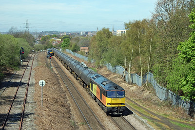 Following not too far behind was Colas Rail's 60056, seen here passing Oakenshaw Junction with 6E32 0855 Preston Docks to Lindsey empty tanks (04/05/2016)