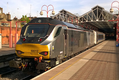 68012 is pictured at Marylebone later that afternoon after arriving with 1H62 1555 from Birmingham Moor Street (06/05/2016)