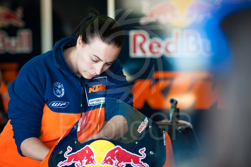 2016-MotoGP-18-Valencia-Friday-1198