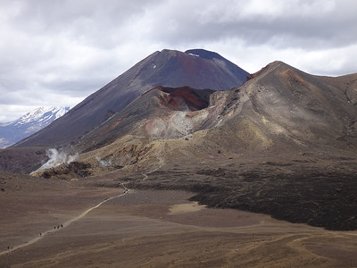 Red Crater and Mt Ngauruhoe (Mt Doom) beyond