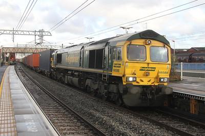 66588 Southall 21/11/16 4O35 Daventry to Southampton