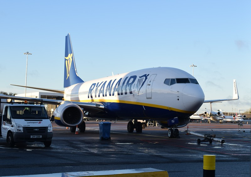 Ryanair Boeing 737 EI-FOJ at London Luton Airport.