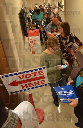 MET110716early vote