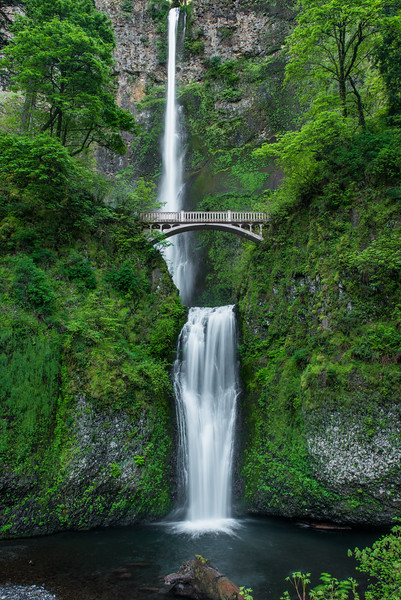 I went back to Multnomah Falls to see if I could do a high resolution pano, in hopes of replacing the one that's hanging in SmugMug HQ and has some motion blur in the trees.