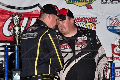 Chris Simpson (L) congratulates winner AJ Diemel (R)