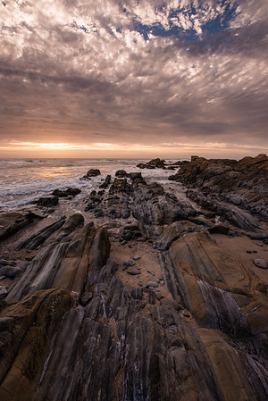 We came to this beach in Pescadero because of its neat straiations in the rock. Escaype predicted an epic sunset and we had high hopes!