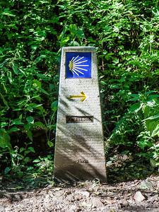 Marker 112.26 km to Santiago de Compostela.Photography: Jerry Byrd