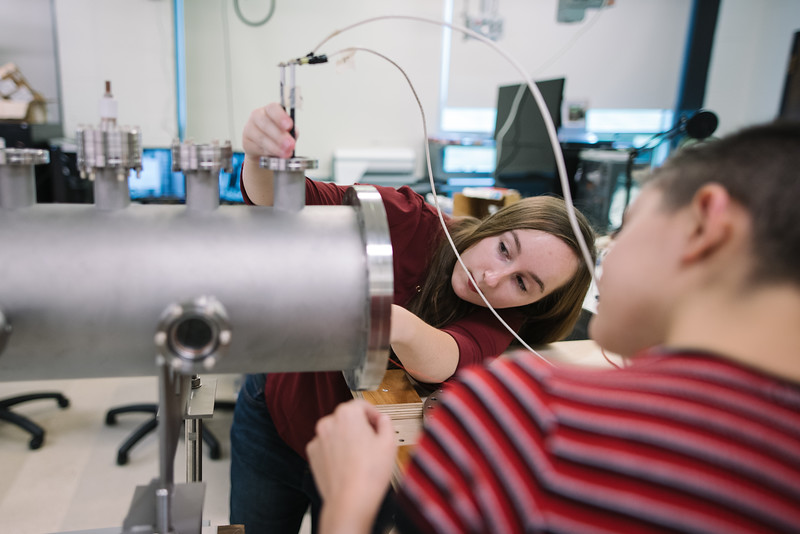 Hayley Johnson and Codie Fiedler Kawaguchi in Professor David Schaffner's physics lab.