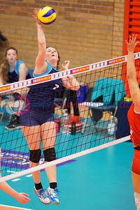 Scottish Student Women 1 v 3 Scotland U23 Women (13-25, 17-25, 27-25, 20-25), International Student Challenge, University of Edinburgh Centre for Sport and Exercise, Fri 15 Apr 2016.  © Michael McConville  http://www.volleyballphotos.co.uk/2016/SCO/SSS/SSS-SCO-U23W