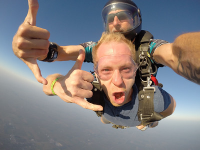 Kyle Smith tandem skydiving