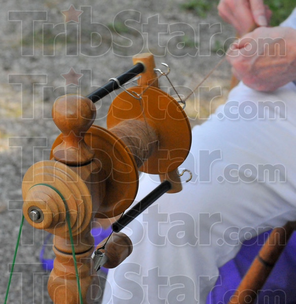 MET 092516 SPINNING WHEEL
