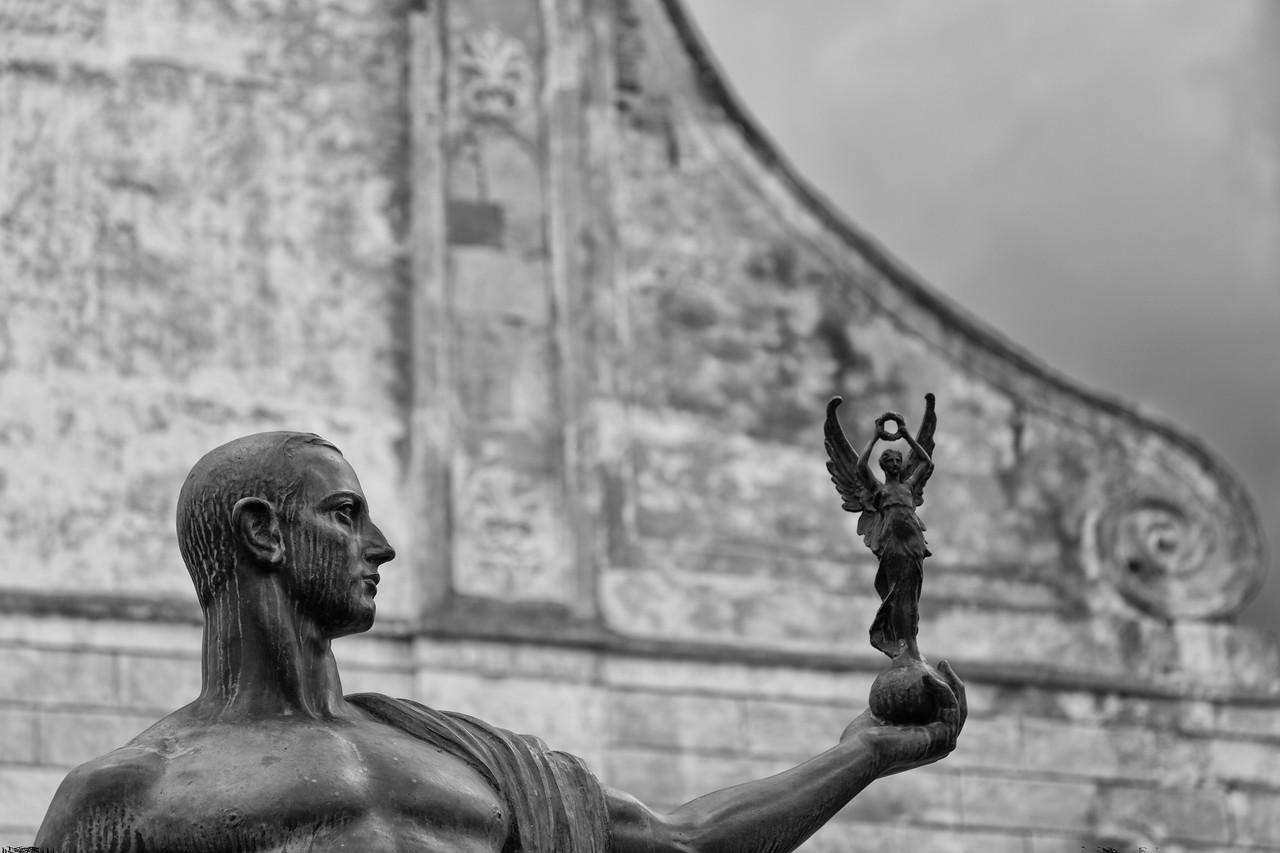 Statue outside the Chiesa Matrice Nuova