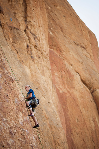 Ezra on <i>Pop Goes the Nubbin 5.10a</i> at Smith Rock.