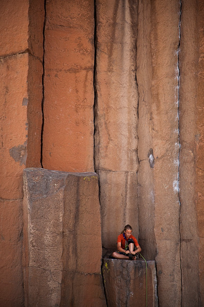 Noah preps for his first 5.10a trad attempt on the Trout Creek classic <i>JR Token 5.10</i>.