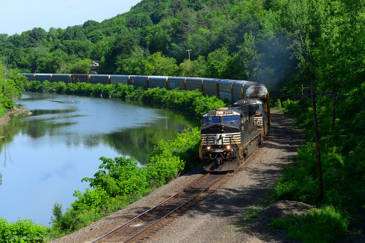 PAS autorack train 28N rounds the curve at North Pownal, VT.