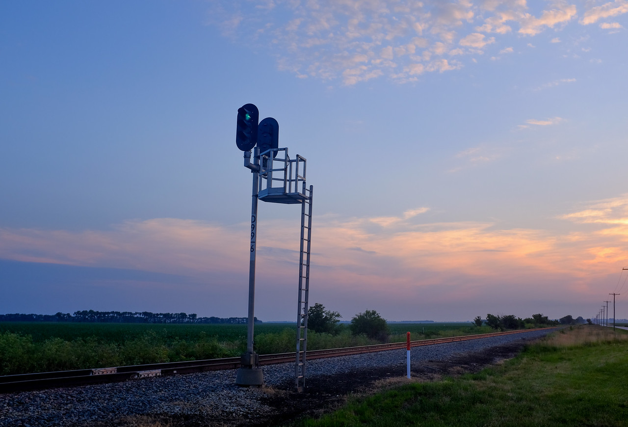 Signal on the former IC Gilman Sub just east of Melvin, IL.