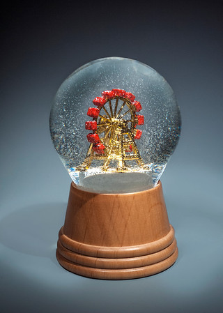 160804 New Snow globes