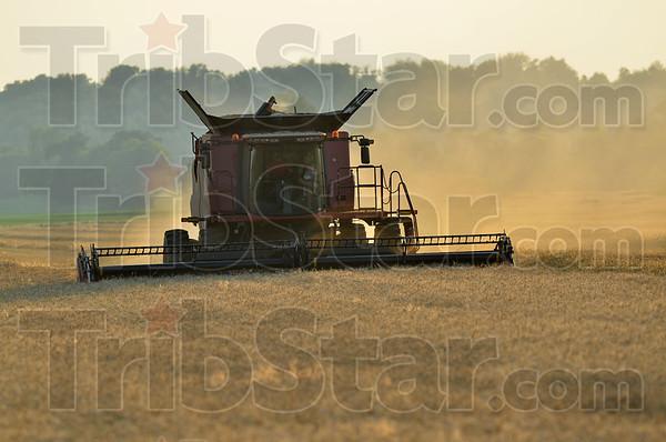 MET062815 koch combine dust
