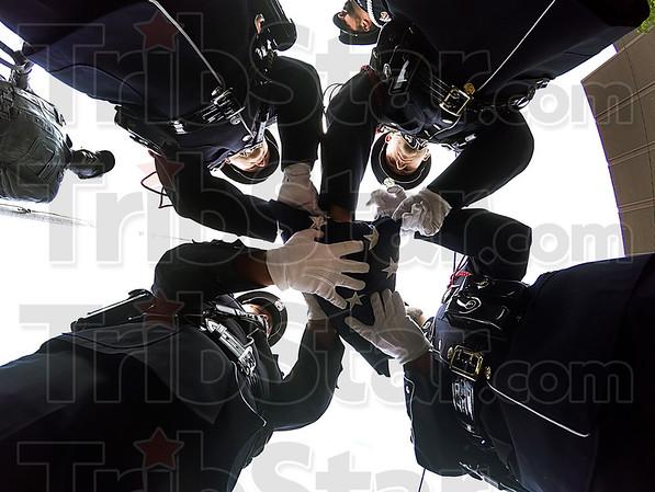 YE 051016 THPD HANDS