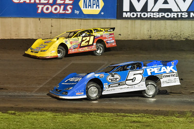 Don O'Neal (5) and Billy Moyer (21)