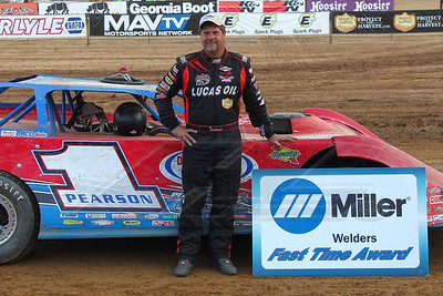 Miler Welders Fast TIme Award winner Earl Pearson, Jr.