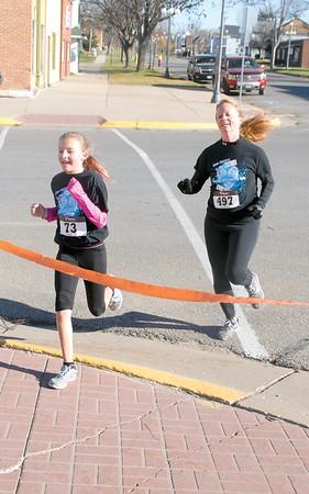 Vinton Shellsburg Sole Sisters run
