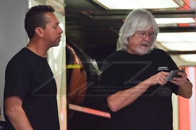 Rick Eckert (L) and Penske Shock rep Ronny Crooks (R)