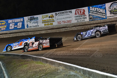 Josh Richards (1), Ivedent Lloyd, Jr. (21) and Scott Bloomquist (0)