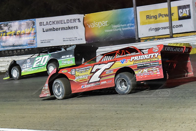 Rick Eckert (7E) and Jimmy Owens (20)