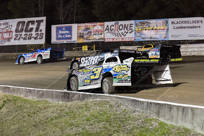 Josh Richards (1), Brian Shirley (3S), Kenny Pettyjohn (38), and Donny Schatz (15)