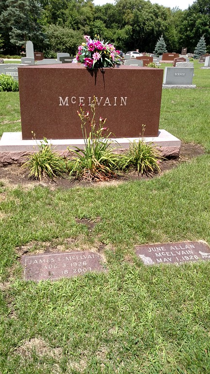 Stopped off in Morris, IL so visit Jim and June's graves.