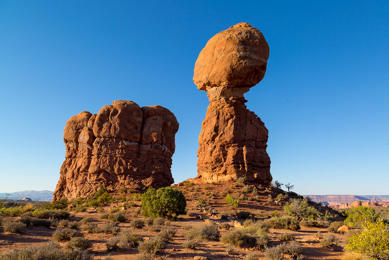 ARCHES NATIONAL PARK, UTAH, BALANCED ROCK