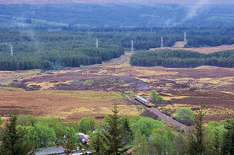 67011 approaches Rannoch with the 04:50 Edinburgh - Fort William 21/05/16