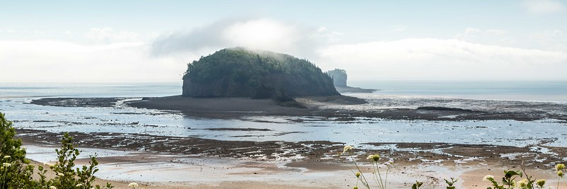 THE BROTHERS, ISLANDS IN THE BAY OF FUNDY AT PARRSBORO