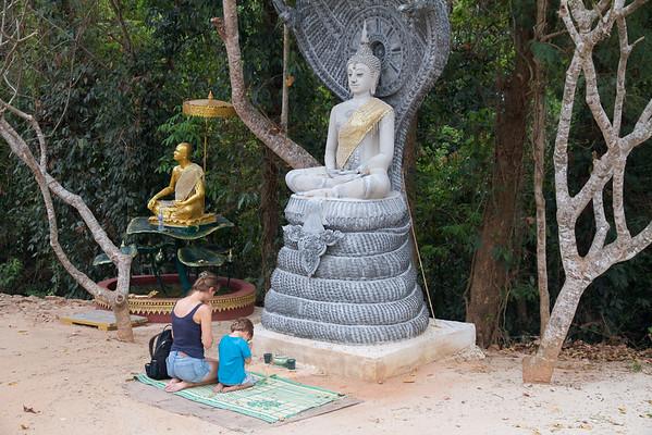 "Poskusiva tako kot domačini: ""Oh, Lord Buddha, preženi artirtis!"""